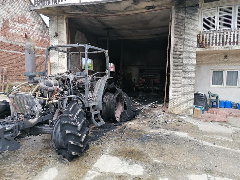 Izgorio traktor, u akciji gašenja sudjelovalo nekoliko dobrovoljnih vatrogasnih društava