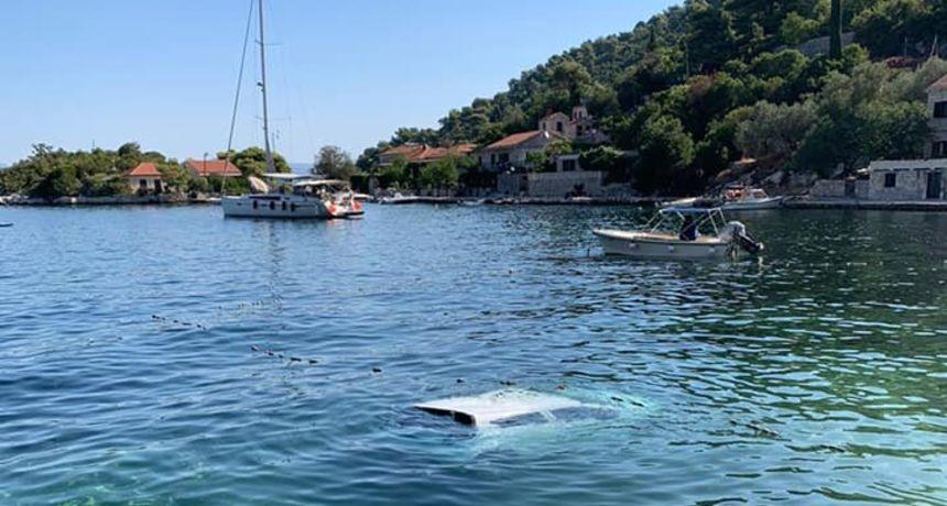 Vozilo sletjelo u more, stradao 79-godišnjak