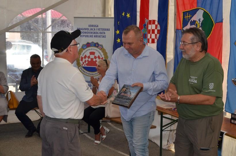 Uručene zahvale za humanitarnu veteransku međunarodnu pomoć za porušenu Banovinu
