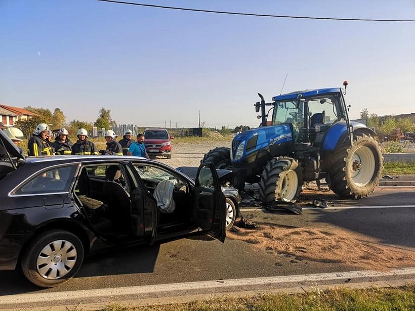 sudar auto traktor (1)