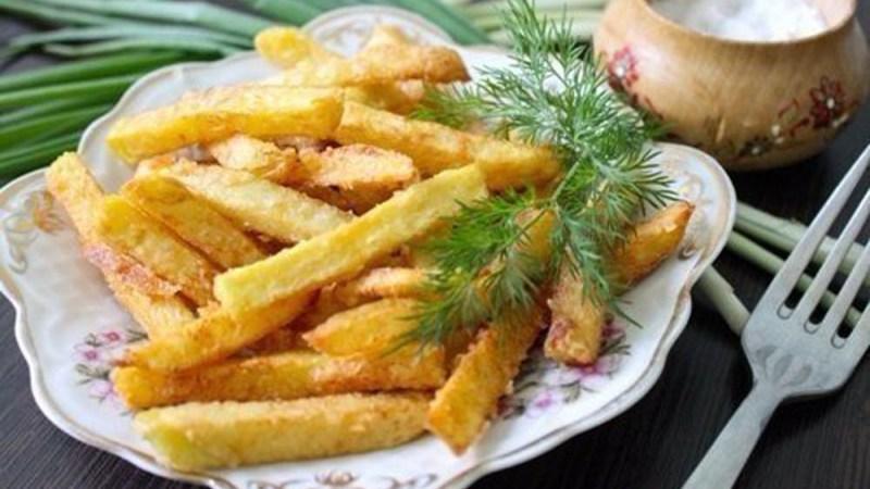 Домашний картофель фри — вкуснее, натуральнее и дешевле, чем в Макдональдсе.