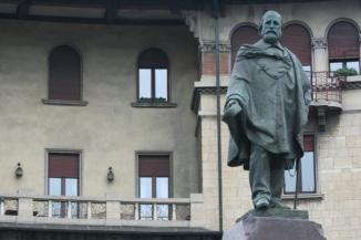 Bergamo Città dei Mille monumento a Garibaldi