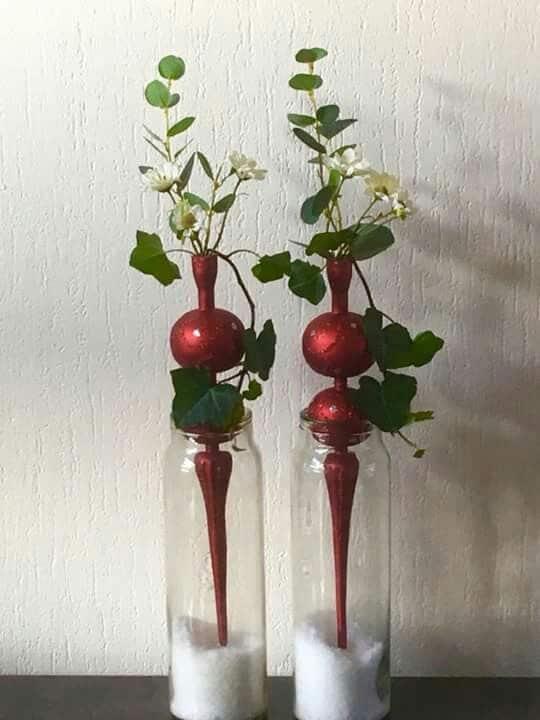 Vánoční dekorace ze skleněné vázy