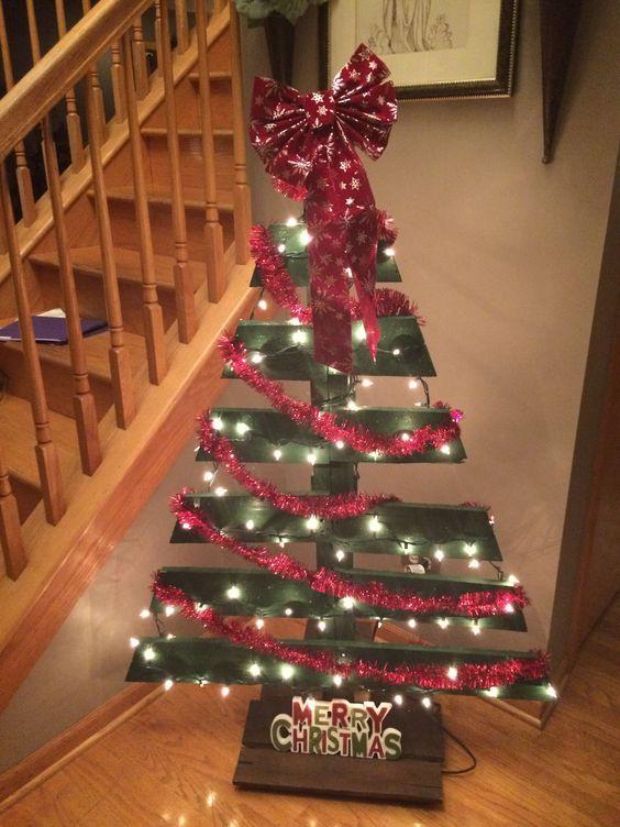 Vánoční stromek z dřevěných palet