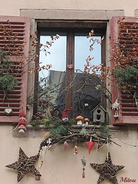 Jak vyzdobit balkon a parapety