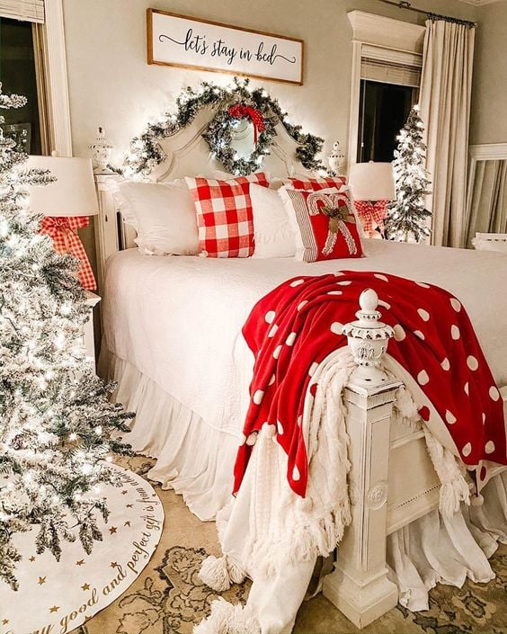 Inspirace jak vánočně vyzdobit ložnice