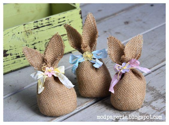 Krásné velikonoční dekorace z pytloviny