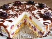 Recept na nepečený piškotový dort se zakysanou smetanou