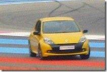 Clio III RS reestilizado flagrado sem disfarces