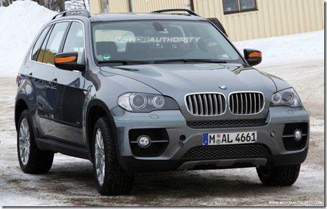 BMW X5 reestilizado é flagrado sem disfarces