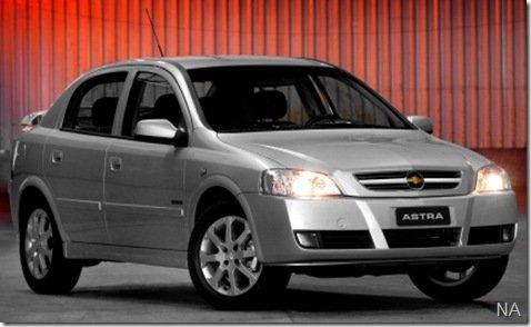 Novo Astra 2009, recebe novo motor 2.0 de 140cv mas o preço não muda