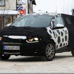 Hatch misterioso da GM flagrado com camuflagem: Chevrolet Viva?