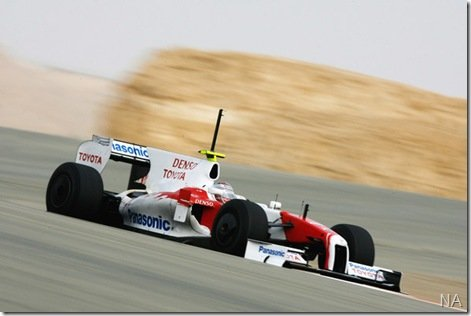 Trulli na pole e Toyota com dobradinha inédita no Bahrein