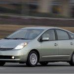 Prius ganhará nova versão de entrada no Japão