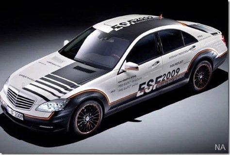 """Mercedes apresenta o """"carro mais seguro do mundo"""""""