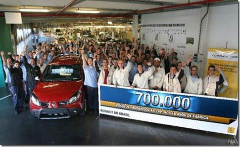 Renault alcança a marca de 700 mil veículos feitos no Brasil