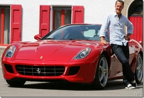 Schumacher faz test-drive da nova Ferrari 599GTB