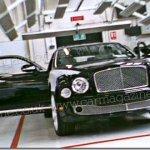 Nova geração do Bentley Arnage é flagrada quase sem disfarces