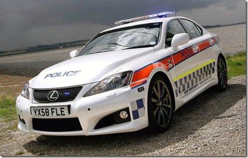 Polícia do Reino Unido ganha Lexus IS-F para sua frota