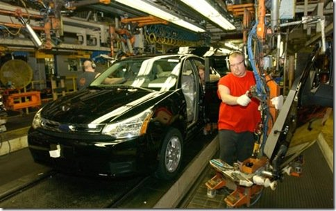 Ford aumenta sua produção de veículos nos EUA