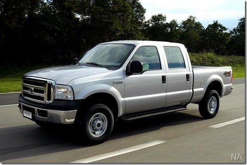 Ford lança a linha 2010 das picapes F-250 e Courier