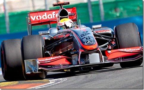 McLaren resurge dominando os treinos para o GP de Valencia