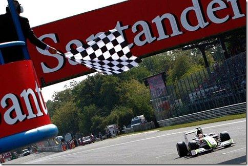 Barrinchello faz excelente corrida e vence o GP de Monza