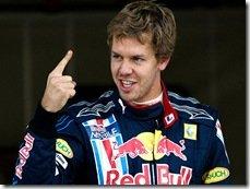 Vettel marca pole no Japão, Barrichello e Button são punidos e perdem posições
