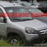 Nova Fiat Doblò Adventure 2010 flagrada sem camuflagem