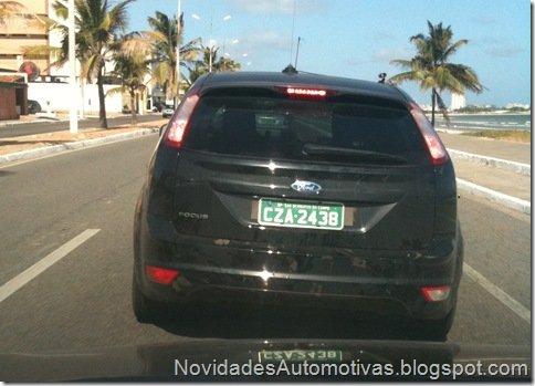 Leitor flagra Ford Focus Titanium rodando em testes em Maceió