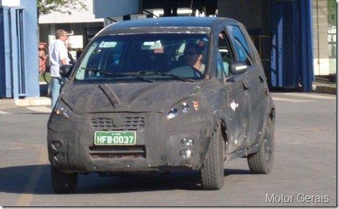 Nova Fiat Idea é flagrada novamente nas redondezas da fábrica da Fiat