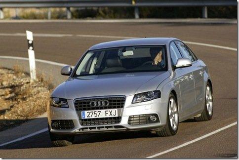 Audi lança o A4 2.0 TFSI flex