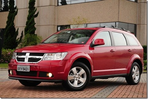 Dodge Journey 2010 está mais equipada