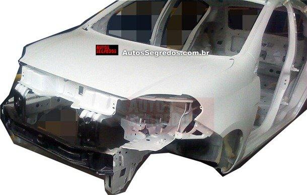 Fotos mostram a carroceria do Fiat Palio