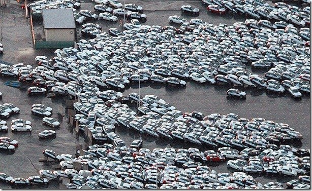 Montadoras japonesas paralizam fábricas após terremoto