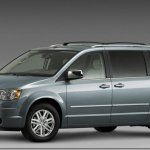 Chrysler anuncia recall para a Town & Country no Brasil