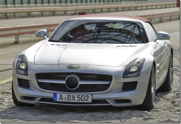 Só pra não dizer que é oficial: Mercedes SLS Roadster