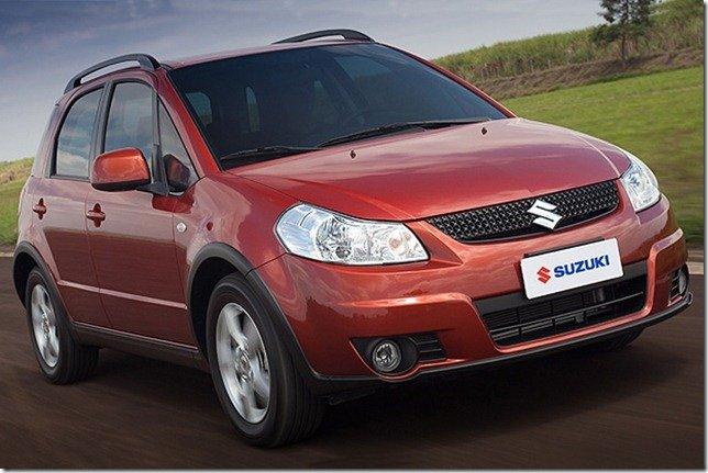 Suzuki SX4 2012 está mais barato na versão manual