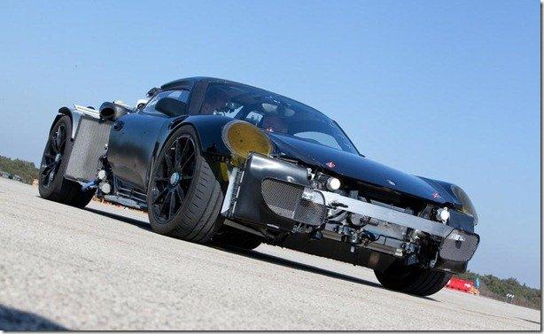 Porsche mostra o 918 Spyder Hybrid em testes