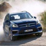 Primeiras imagens do Mercedes-Benz GL 2013