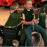 Bufalos TV – Garoto de 7 anos cuida de oficina de Hot Rods com o pai