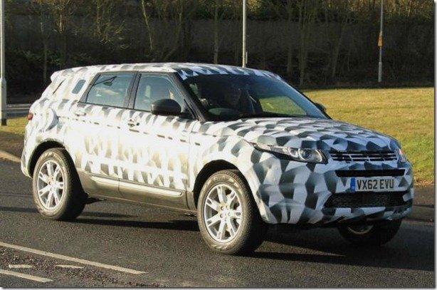 Flagrada versão longa do Range Rover Evoque