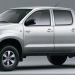 Toyota Hilux ganha versão Standard cabine dupla com motor flex e câmbio manual