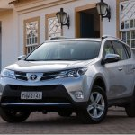 Novo Toyota RAV4 chega custando a partir de R$ 96.900