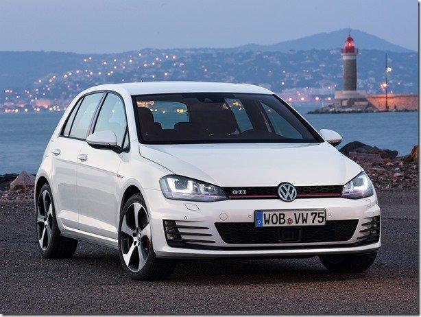 Volkswagen Golf terá teto em fibra de carbono como opcional