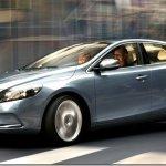 Volvo V40 chega ao Brasil por R$ 115.950