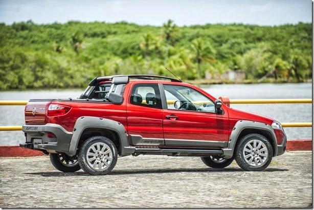 Fiat Strada 2014 chega com nova traseira e uma porta a mais