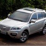 Lifan X60 ganha versão com teto-solar