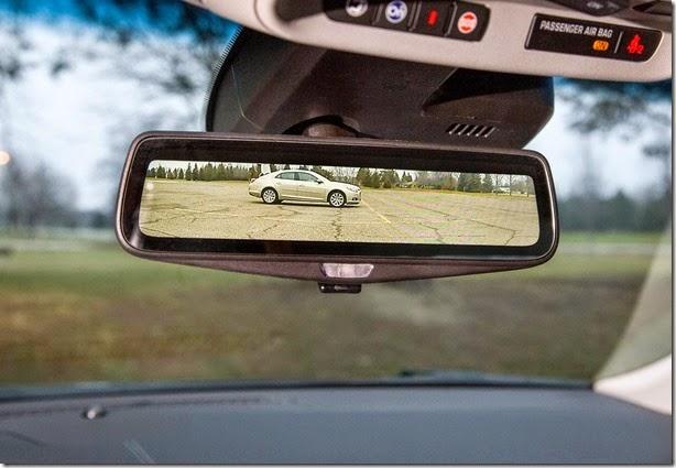 Novo Cadillac CT6 terá câmera e tela ao invés de espelho retrovisor