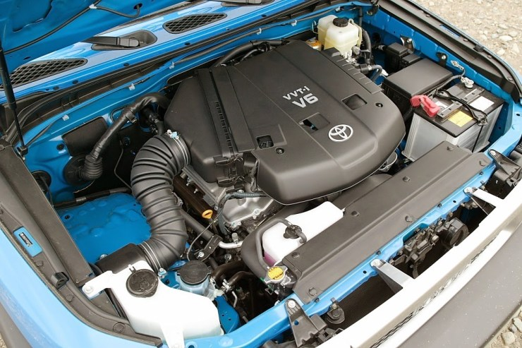 Toyota_1GR-FE_engine_001[3]